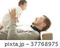 人物 親子 赤ちゃんの写真 37768975