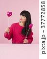女性 バレンタイン 若いの写真 37772858