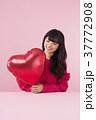 女性 バレンタイン 若いの写真 37772908