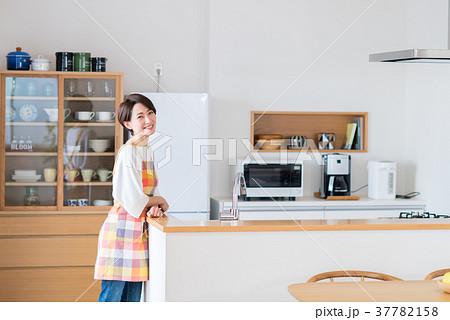 主婦(キッチン) 37782158