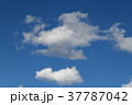 青空と雲 37787042