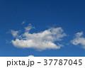 青空と雲 37787045