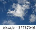 青空と雲 37787046