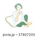 リラックス 女性 コーヒーのイラスト 37807205