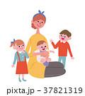 子育て 家族 母親のイラスト 37821319