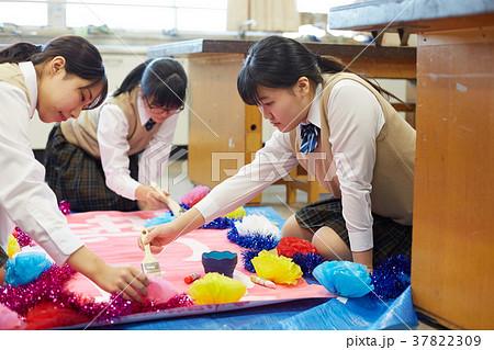 中学生 文化祭 図工 高校生 37822309