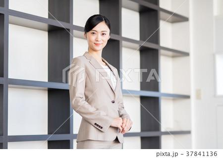 ビジネスウーマン  37841136