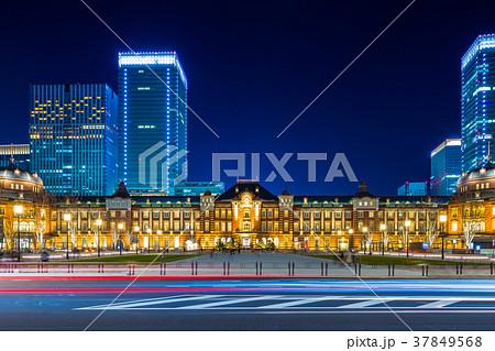 東京駅 駅前夜景 37849568