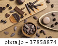 カカオ豆とチョコレート 37858874