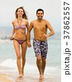 家族 海 走るの写真 37862557