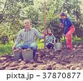 ファミリー 家族 ガーデンの写真 37870877