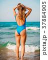 ビーチ 浜辺 水着の写真 37884905