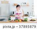 主婦 キッチン 料理の写真 37893879