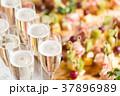 イベント テーブル ガラス製の写真 37896989