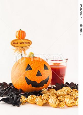 ハロウィン カボチャ お菓子 おもちゃカボチャ ハロウィーンイメージ 37902058