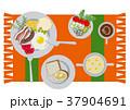 目玉焼きのイラスト。朝食。パンと卵料理のイラスト。 37904691