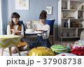 女性 友達 お菓子作りの写真 37908738