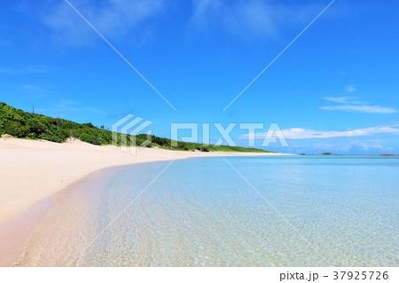 沖縄 波照間島の海 37925726