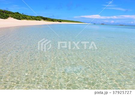 沖縄 波照間島の海 37925727