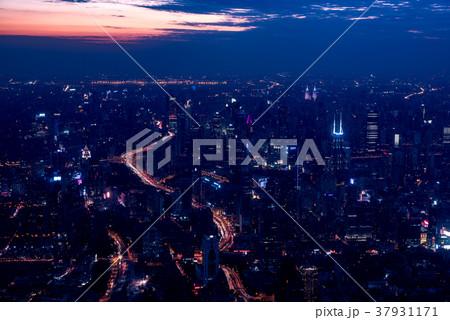 中国・上海の夜景 37931171
