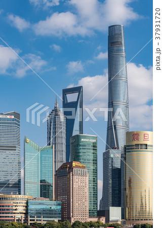 中国・上海の摩天楼 日中 37931720