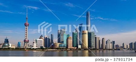 中国・上海の摩天楼 日中 37931734