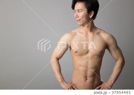 男性アスリート 裸 肉体美 37954493