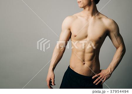 男性アスリート 裸 肉体美 37954494