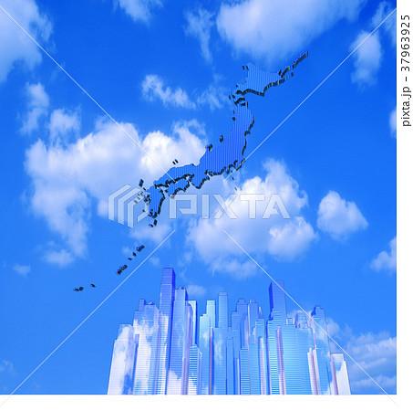 日本列島の太陽光パネルとビル群 37963925