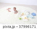 赤ちゃんとベビーグッズ 37996171