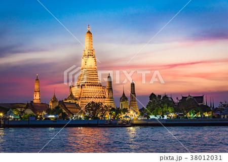 タイ ワットアルン[Wat Arun] | 38012031