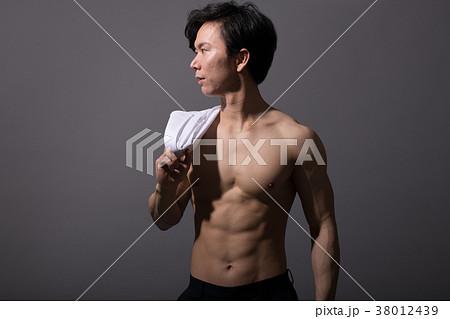 裸の日本人男性 筋肉 ボディビルダー 38012439