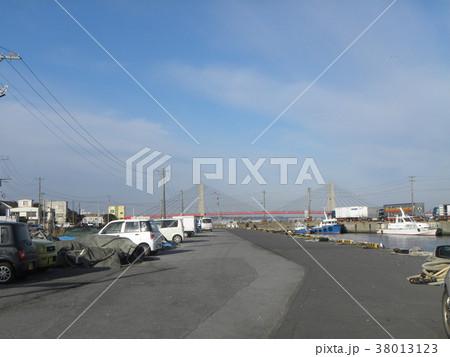 銚子漁港の漁船 38013123