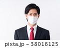 若い男性(マスク) 38016125