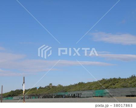 稲毛海岸の青空 38017863