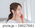 若い 女性 人物の写真 38027681
