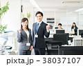ビジネス ビジネスマン ビジネスウーマンの写真 38037107