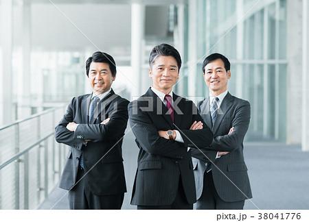 ミドルのビジネスマン  38041776