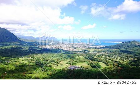 ハワイ オアフ島 ヌウアヌ・パリ展望台 風景 38042765