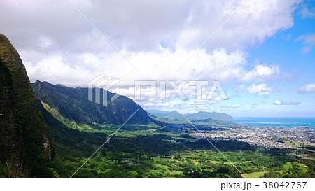 ハワイ オアフ島 ヌウアヌ・パリ展望台 風景 38042767
