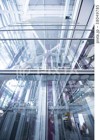 ガラス張りのシースルーエレベーター 38049785