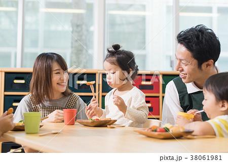 幼稚園 保育園 38061981