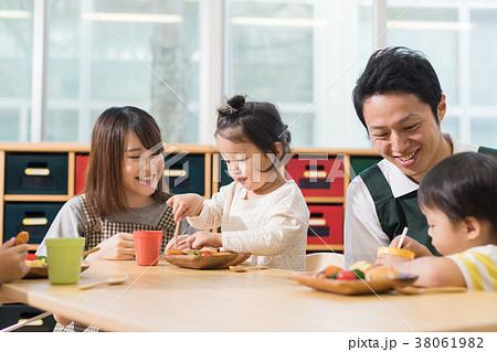 幼稚園 保育園 38061982