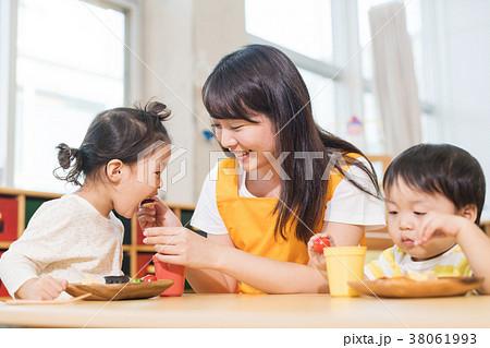 幼稚園 保育園 38061993