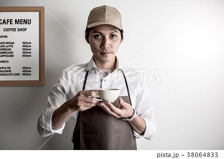 カフェ店員 バリスタ 38064833