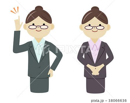 スーツ姿の女性 38066636