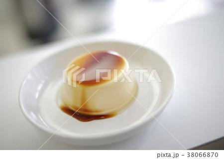 美味しそうなプリン イメージ 38066870