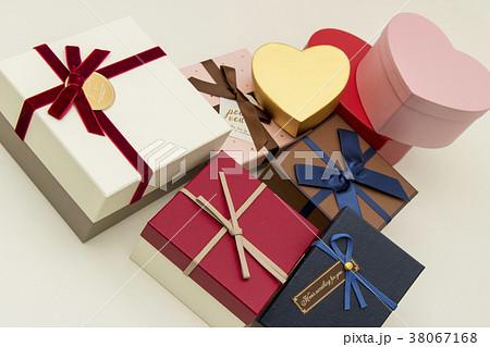 プレゼント 38067168
