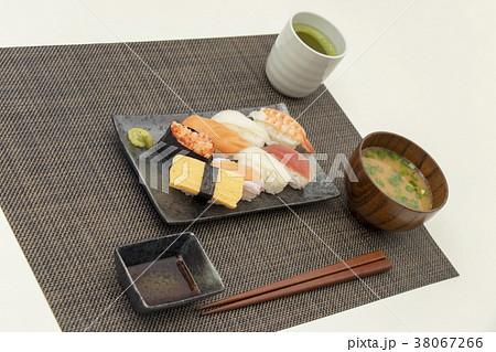 お寿司 食事 和食  38067266