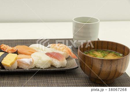 お寿司 食事 和食  38067268